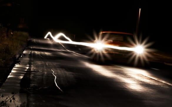 Управление авто в ночное время